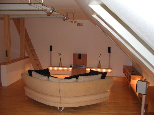 rack und surround mit hohem waffaktor plasmafernseher hififorum verkleidung kabel fernseher. Black Bedroom Furniture Sets. Home Design Ideas